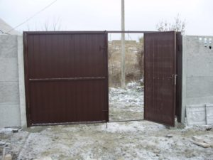 Ворота из профнастила своими руками