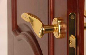 Как выбрать ручку для межкомнатной двери