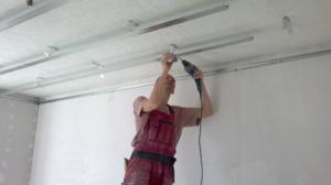 Домашний ремонт - натяжные потолки своими руками