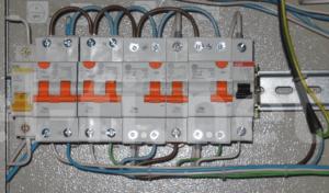 Отдельный автомат на электрический духовой шкаф