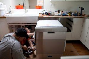 Как установить посудомоечную машину – пошаговая инструкция