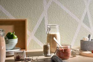 Как покрасить стекловолокнистые обои самостоятельно