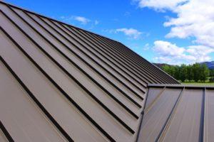 Кровельное железо на крышу: характеристики, достоинства, монтаж