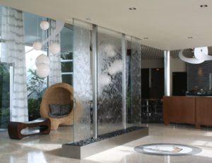 Водопад по стеклянной поверхности своими руками