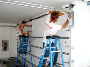 Монтаж секционных гаражных ворот своими руками
