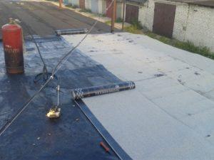 Чем покрыть крышу гаража. Материалы для покрытия крыши гаража