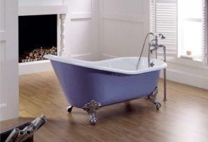 Какая ванна лучше: чугунная или акриловая