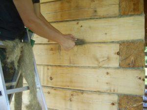 Конопатка брусового дома своими руками