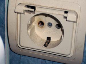Почему греется вилка на стиральной машине?