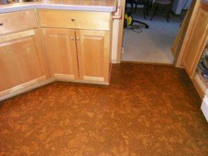 Пробковый пол на кухне своими руками