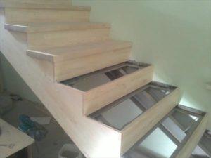 Отделка металлической лестницы своими руками