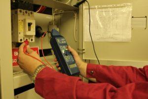 Как выполняется проверка металлосвязи и для чего она нужна?