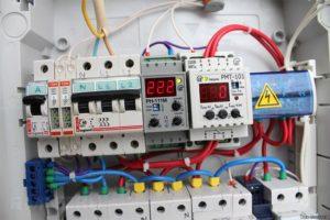 Выбор производителя УЗО, автоматов и реле напряжения