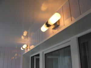 Как сделать свет на балконе?