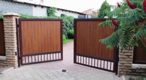 Ворота для дачи: выбор и монтаж