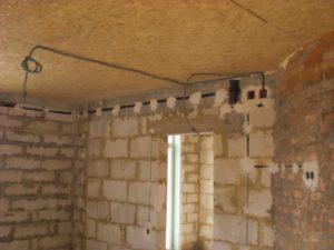Как провести электропроводку в доме из газобетона?