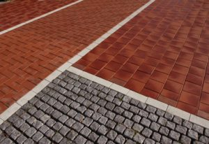 Тротуарный кирпич: особенности укладки