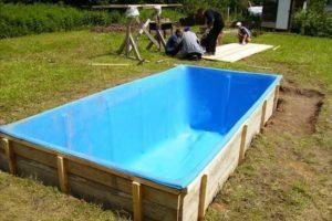 Разновидности бассейнов на даче своими руками. Как выбрать подходящий вариант бассейна. Советы и рекомендации по строительству бассейна на даче своими руками