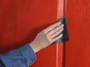 Как снять краску с дверей: советы