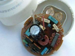 Замена неисправного трансформатора в электронных часах