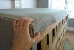 Как обтянуть диван своими руками
