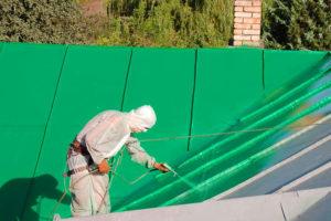 Краска для крыши: особенности выбора и применения