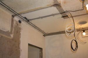 Как заменить проводку в панельном доме — пошаговая инструкция