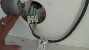 Нужно ли выводить новый кабель от щитка для подключения электроплиты?
