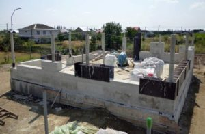 Строим дом из монолитного пенобетона своими руками. Монолитный дом: преимущества и недостатки