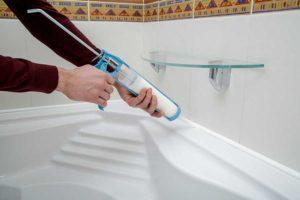 Как герметизировать ванную своими руками