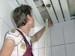 Демонтаж натяжного и реечного потолка своими руками