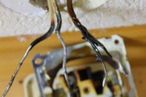 Почему нежно менять алюминиевую проводку?