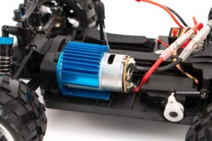 Как переделать радиоуправляемую модель с ДВС на электродвигатель