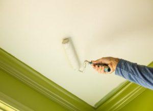 Как выбрать краску для потолка