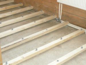 Монтаж деревянных лаг